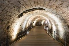 Podziemny tunel budował rycerza templariuszem, przechodzi pod fortecą w starym mieście akr w Izrael Obraz Stock