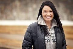 Poereait di un sorridere maturo della donna Fotografie Stock Libere da Diritti