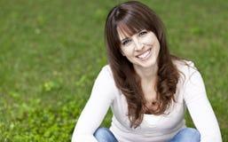 Poereait van het rijpe vrouw glimlachen Stock Afbeeldingen