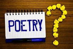 Poesía de la escritura del texto de la escritura Concepto que significa la expresión del trabajo literario de las ideas de las se fotografía de archivo libre de regalías