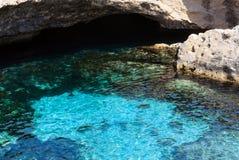 Poesia de della de Grotta de caverne, Roca Vecchia, côte de Salento, AIE Images stock
