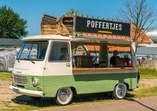 Poffertjes食物卡车老朋友每年全国老朋友天在莱利斯塔德 库存照片