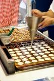 Poffertjes Minipfannkuchen Lizenzfreie Stockbilder