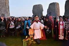 Poganie Zaznaczają jesieni równonoc przy Stonehenge Obrazy Royalty Free