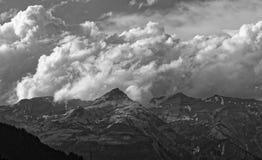 Pogoda sztormowa nad Glarus Alps od Thusis, szwajcar fotografia stock