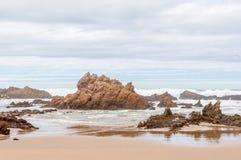 Pogoda sztormowa przy plażą blisko Buffelsbaai Fotografia Royalty Free
