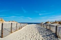 Pogodna nadmorski plaża Zdjęcie Royalty Free