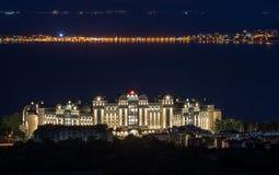 POGODNA plaża BUŁGARIA, Wrzesień, - 22, 2017: Świetlicowy Hotelowy Riu Helios raj Noc widoku wizerunek Fotografia Royalty Free