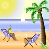 Pogodna plaża z jaskrawym słońcem i pięknym drzewkiem palmowym Zdjęcia Royalty Free
