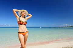pogodna plażowa dziewczyna fotografia stock