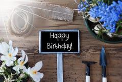 Pogodni wiosna kwiaty, znak, teksta wszystkiego najlepszego z okazji urodzin Zdjęcia Stock