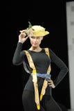 pogodny dziewczyna odczuwany kapelusz Zdjęcie Royalty Free