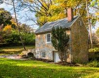 Pogodny Springhouse w jesieni Zdjęcia Royalty Free