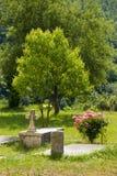 Pogrzeb w ogródzie monaster Moraca Zdjęcie Royalty Free