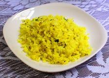 Poha: een populaire Indische ontbijt of een snack Stock Fotografie