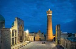 Poi Kalan - religiöst komplex som lokaliseras runt om den Kalan minaret i Bukhara arkivfoton