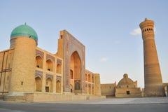 Poi Kalyan Mosque wordt gevestigd in het historische deel van Boukhara royalty-vrije stock foto's