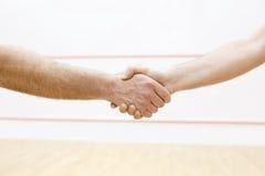 Poignée de main avant match Images stock