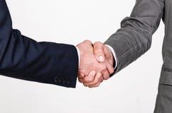 Poignée de main de deux hommes d'affaires Photographie stock