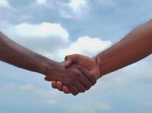 Poignée de main - symbole de confiance image libre de droits