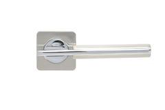 Poignée de porte en métal d'isolement sur le fond blanc Photo libre de droits