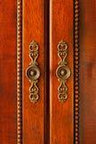 Poignées de porte sur le coffret Photo libre de droits
