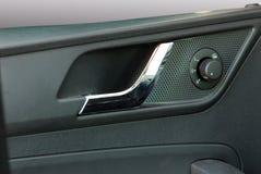Poignées de portière de voiture et contrôle latéral de commutateur de miroir Photo libre de droits