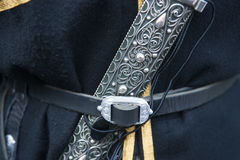 Poignard - un attribut d'un costume masculin caucasien Photos libres de droits