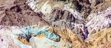 Point d'artistes le long de la commande d'artistes, Death Valley Image libre de droits