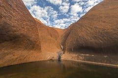 Point d'eau d'Uluru photo stock
