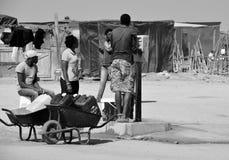 Point d'eau dans le taudis de Mondesa Photos libres de droits