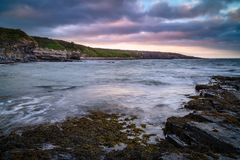 Point de Cullernose au sud de Craster photo stock