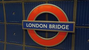 Point de mouvement lent de mouvement d'appareil-photo d'intérêt de connexion souterrain Londres, R-U de pont de Londres clips vidéos