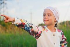Point de petite fille avec un doigt Photo libre de droits