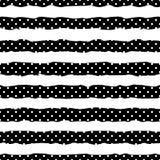 Point de polka d'or sur le fond à la mode du modèle sans couture de rayures blanches et noires Confettis d'or d'aluminium configu illustration stock
