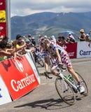 Point de polka Jersey le cycliste Pierre Roland Photographie stock libre de droits