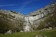 Point de repère, crique de Malham, North Yorkshire, R-U images stock