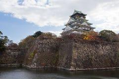 Point de repère japonais antique historique de château d'Osaka Photographie stock libre de droits