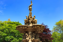 Point de repère de fontaine de Ross dans des jardins de rue de Pincess Image libre de droits