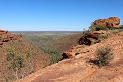 Point de vue aux Rois Canyon dans l'Australie Photographie stock