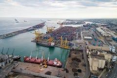 Point de vue de Barcelone en Espagne Port de Barcelone à l'arrière-plan photos stock