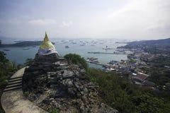 Point de vue d'empreinte de pas du ` s de Bouddha au KOH SIchang photographie stock