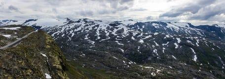 Point de vue de Dalsnibba et lac Djupvatnet en Norvège Image libre de droits