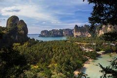Point de vue de plage de Railay, Thaïlande. Photo libre de droits