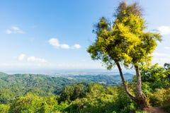 Point de vue kilomètre 12 chez Mae Fah Luang, Chiang Rai, Thaïlande Photos stock