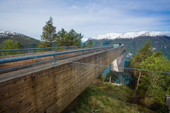 Point de vue Plattform (surveillance) - Stegastein, Norvège Image stock