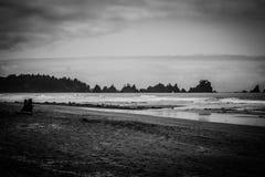 Point des piles et du littoral de mer de voûtes chez Shi Shi Beach Images stock