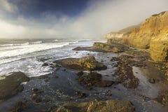 Point Loma przypływu baseny i wybrzeże krajobraz w Cabrillo Krajowym zabytku fotografia royalty free