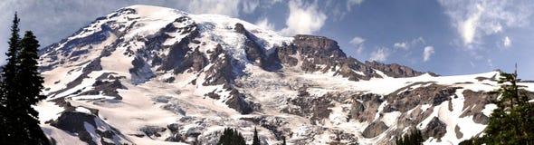 Point_panorama de la puesta del sol del pico más alto del Monte Rainier Foto de archivo