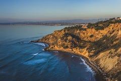 Point plat de roche au coucher du soleil Image libre de droits